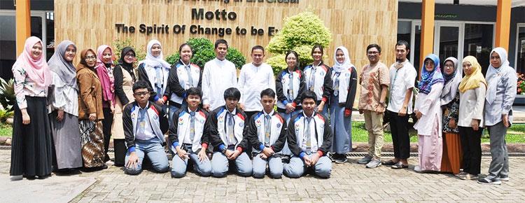 Kompetisi Sains Nasional (KSN) 2020 : Tim KSN Moonzher raih 9 Medali